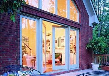 400-series-hinged-door-exterior-beauty