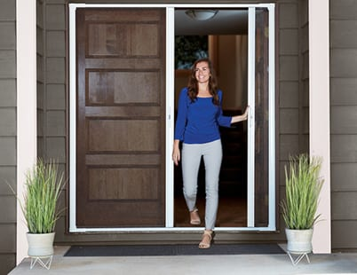 luminaire-retractable-screen-door-3